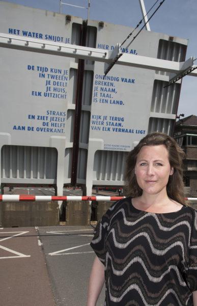 Ester Naomi Perquin voor Parkhavenbrug